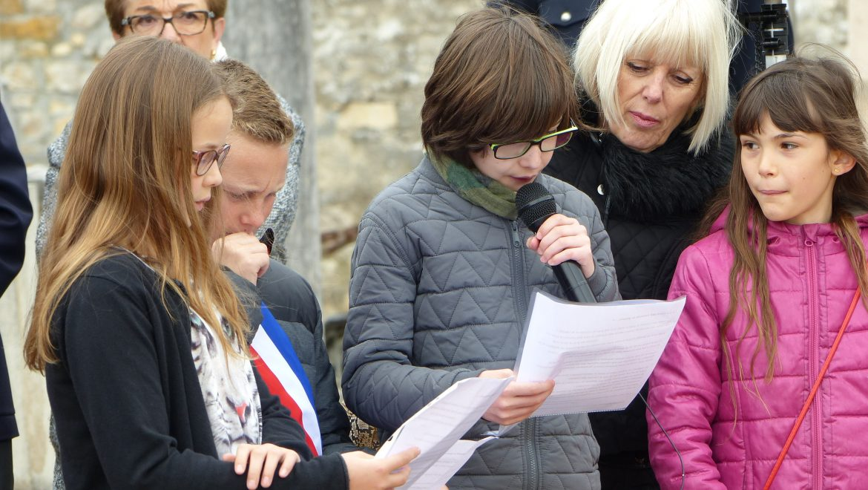 cérémonie du 8 mai – Participation des élèves de Sainte Bernadette