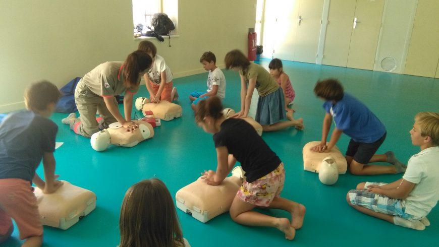 Apprendre  à porter secours (APS) en CM2