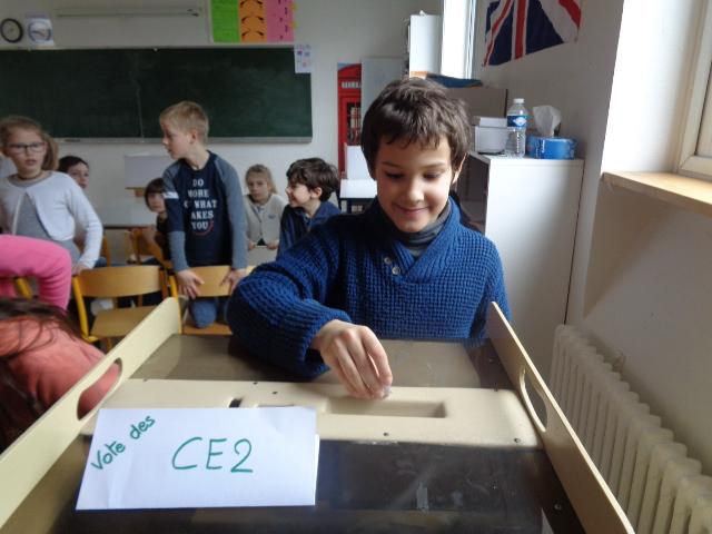 mardi 13 mars : vote des délégués pour le conseil d'élèves